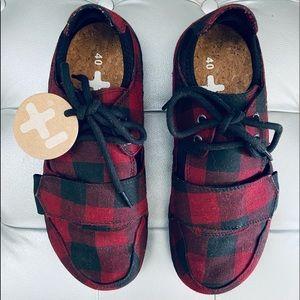 OTZ Shoes Canvas Red/Black Plaid Lace Up Velcro